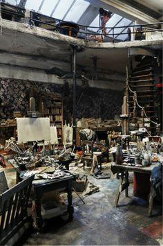Atelier n°5 by French artist Ronan-Jim Sevellec (age 80). http://www.messynessychic.com/2013/01/16/a-miniature-bohemian-world/