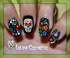 Diseños de uñas de calaveras mexicanas