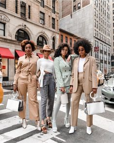 "Ellie on Twitter: ""Can I add the Parisian aesthetic just beautiful… "" Black Girl Magic, Black Girls, Black Girl Groups, Black Girl Aesthetic, Quoi Porter, Paris Mode, Looks Black, Black Women Fashion, Black Women Style"