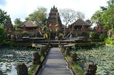 Visit the Ancient #Ubud Palace in #Bali - Cush Travel Blog #Indonesia