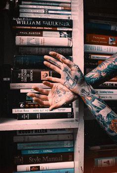 Des-mains et livresse.