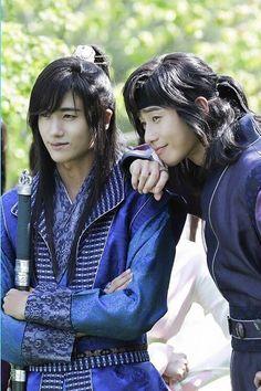 'Hwarang: The Beginning' Park Hyun Sik and Park Seo Joon Asian Actors, Korean Actors, Korean Dramas, Kpop, Korean Celebrities, Celebs, Go Ara, Joon Park, Cinema Tv