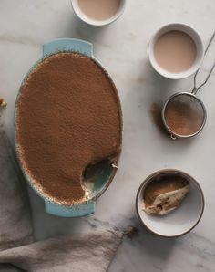 Chai Tiramisu: in Chocolate, Desserts Köstliche Desserts, Delicious Desserts, Dessert Recipes, Yummy Food, Dessert Food, Chocolate Desserts, Coffee Dessert, Plated Desserts, Chocolate Cake
