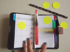 round planner stickers circle neon yellow by LaSoffittaDiSte