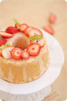 Strawberry Chiffon イチゴシフォンケーキ by bossacafez, via Flickr