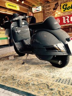 Nice Tuned Up Vespa Maas Mechelen