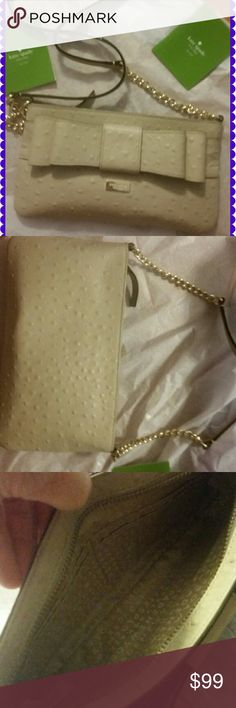 🌹Gorgeous Kate Spade!! BNWT Beautiful little bag by Kate Spade! 100% leather! Measures approx...9 5 wide and 5 height. BRAND NEW  without tags. Kate Spade Bags
