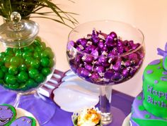 barney party - Green and purple candy