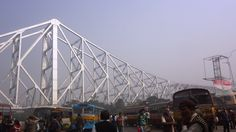 This is how Howrah Bridge looks at 9 a.m. It's not as much a historical landmark as it is a prominent intersection for thousands of commuters travelling to and from Kolkata. But, it's still spectacular isn't it?