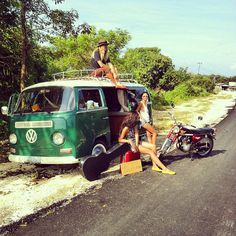Outdoors, where the days come easy and the moments pass slow girls фургон и Vw Vintage, Vintage Trucks, Bus Camper, Volkswagen Bus, Hippie Car, Bus Girl, Combi Vw, Camping Activities, Camping Games