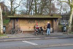 Amsterdamse School bushokje op Tolsteegbrug Utrecht