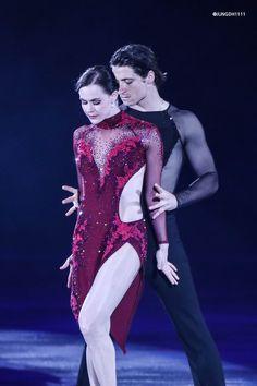 Virtue And Moir, Tessa Virtue Scott Moir, Ice Skating, Figure Skating, Love On Ice, Tessa And Scott, Ice Dance, Vogue Japan, Michael Jackson