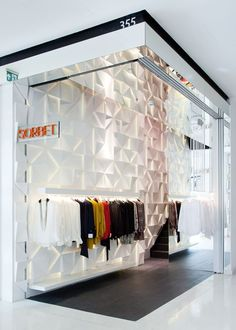 Sorbet store by SUITE arquitetos, Sao Paulo store design Stand Design, Display Design, Booth Design, Design Design, Commercial Design, Commercial Interiors, Design Comercial, Design Boutique, Vitrine Design