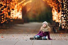 Addie-Under-Xmas-Lights-after.jpg (960×636)
