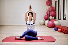 """Les Poulettes Fitness est une marque de vêtements de sport 100% made in France pour toutes celles qui pensent que """"abdos"""" peut rimer avec """"apéro"""" #fitness #sportwear #legging #yoga #yogapant #fitfam #wine #cheese"""