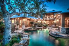 Gorgeous pool and back yard!