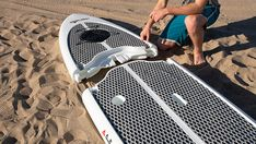 Easy Eddy just released the first 3 piece design stand up paddle board which collapses for easy storage and transport in your car. Watch the video for more! Stand Up Paddle, Sup Paddle Board, Standup Paddle Board, Jet Ski, Gopro, Kayak Storage Rack, Sup Boards, Inflatable Sup, Planks
