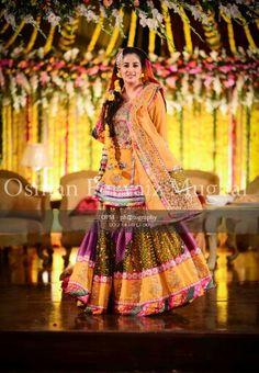 Pakistani mehndi photography Pakistani Mehndi, Mehendi, Mehndi Dress, Mehndi Brides, Asian Bridal, Desi Clothes, Mehndi Designs, Bride Groom, Photo Shoot