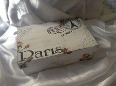 Caixa Paris - arte com patina,stencil,textura e decoupage