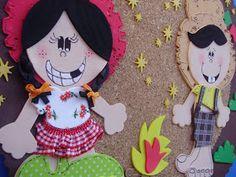 Meus Trabalhinhos : Decoração Festa Junina Escolas Sissi, Minnie Mouse, Christmas Ornaments, Disney Characters, Holiday Decor, Amanda, Art Classroom, Celebration, Decorations
