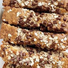 Oatmeal chocolate chip bread is a quick, simple, no yeast sweet bread that tastes exactly like an oatmeal chocolate chip cookie! Chocolate Chip Bread, Oatmeal Chocolate Chip Cookies, Chocolate Recipes, Chocolate Cake, Mexican Food Recipes, Snack Recipes, Cooking Recipes, Crockpot Recipes, Dinner Recipes