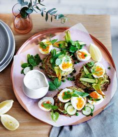 Pea, zucchini and mint fritters with eggs and feta sauce :: Gourmet Traveller
