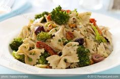 Broccoli, kalamata olive and feta pasta - would be great with sundered tomatoes and whole wheat rigatoni.