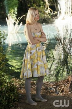 """Tributes and Triangles"" - Pictured: Jaime King as Lemon Breeland in HART OF DIXIE on THE CW. Photo: Greg Gayne/The CW ©2011 The CW Network. All Rights Reserved."