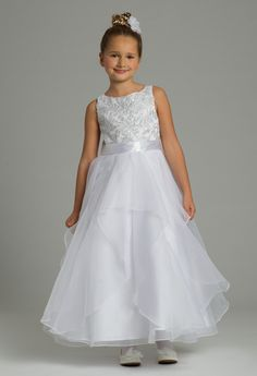 417d0e7284 Your junior  maid is sure to stand out in this stunning flower girl dress!
