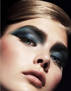 Midnight blue | Elle Beauty by Justin Cooper | #eyes #cosmetics