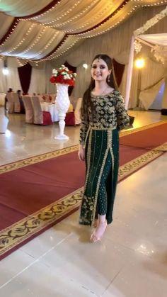 Shadi Dresses, Indian Gowns Dresses, Pakistani Bridal Dresses, Pakistani Dress Design, Fancy Dress Design, Stylish Dress Designs, Designs For Dresses, Afghan Wedding Dress, Boho Wedding Dress