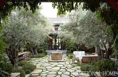 Hillary Thomas' Napa Valley courtyard, photo by John Merkl for Traditional Home