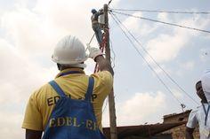 """Preço da electricidade deverá subir 10% a 15% """"só os mais pobres ficarão protegidos' http://angorussia.com/noticias/angola-noticias/preco-da-electricidade-devera-subir-10-a-15-so-os-mais-pobres-ficarao-protegidos/"""