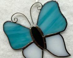 Adorno de vidrio mariposa por MamaAgees en Etsy