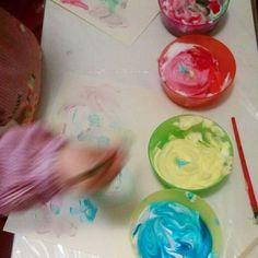 Pintar con espuma de afeitar y colorante alimentario #actividad