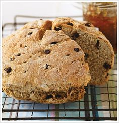 From easy Irish Soda Bread recipes to masterful Irish Soda Bread preparation techniques, find Irish Soda Bread ideas by our editors and community in this recipe collection. Fun Baking Recipes, Clean Eating Recipes, Yummy Eats, Yummy Food, Tasty, Irish Soda Bread Recipe, No Bread Diet, St Patricks Day Food, Recipe For Mom