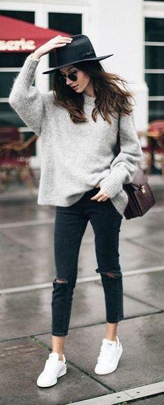 """Stil denildiği zaman sanırım hepimizin aklına aynı isim ve o bilindik söz geliyor olmalı """"Moda geçer, Stil kalır. Coco Chanel"""". Bilinmesi gereken en önemli konulardan birisi içinizden g…"""