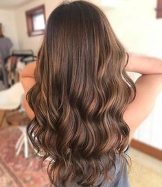 Picture of a dashing long caramel brown balayage for olive skin Blue Balayage, Brown Hair Balayage, Brown Blonde Hair, Hair Color Balayage, Auburn Balayage, Caramel Balayage Brunette, Honey Balayage, Brunette Hair, Gray Hair