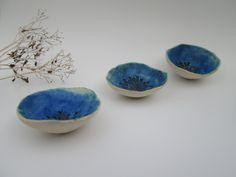 Keramik Schalen, kleine Gruppe von drei in türkis von SheenaSpaceyCeramics auf Etsy https://www.etsy.com/de/listing/200341637/keramik-schalen-kleine-gruppe-von-drei