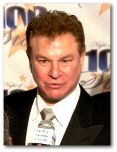 Robert Wuhl actor, comedian, writer and sports journalist stops by to thank the US Veterans.