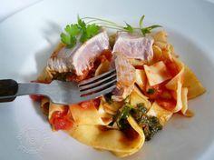 Fotorecept: Steak z tuniaka so špenátom a rezancami