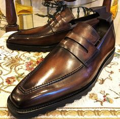 Formal alligator leather loafers dress shoes for men. These are formal shoes yet quite tasteful ones to add a spoon of fashion with sophistication in your persona. Christian Louboutin Shoes Mens, Leather Loafers, Loafers Men, Ferragamo Shoes Mens, Blue Dress Shoes, Comfortable Dress Shoes, Gentleman Shoes, Formal Shoes, Sock Shoes