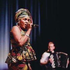 La sublime @mamani.keita au #festival #wazemmeslaccordeon :D merci encore à @lilleisbeautiful et aux orgas du festival pour les places. Merci aux #artistes pour cette belle soirée. #lille #lillemaville #lillelanuit #igerslille #igersfrance #piclille #accordeon #wazemmes #wazemmeslavie #hautsdefrance #hautsdefrance_inlive #livemusic #livemusicphotography #nikonfr #music #singer