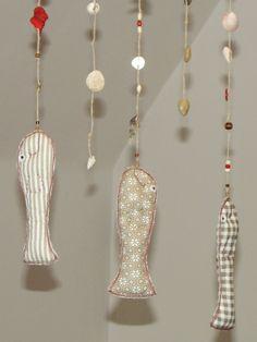 Z mořské zátoky. Angler Fish, Drop Earrings, Carousel, Toys, Jewelry, Products, Fashion, Handarbeit, Activity Toys