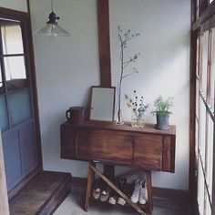 Interior examples such as sofa / old tools / DIY / renovation / vintage Japanese Style House, Japanese Home Decor, Interior Styling, Interior Decorating, Japanese Interior Design, Beautiful Living Rooms, Home And Deco, Furniture Layout, Interior Inspiration