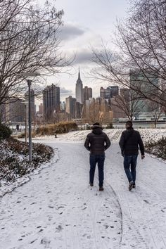 View of Empire State Bldg from Long Island City Waterfront by Javan Ng @javanng | newyork newyorkcity newyorkcityfeelings nyc brooklyn queens the bronx staten island manhattan