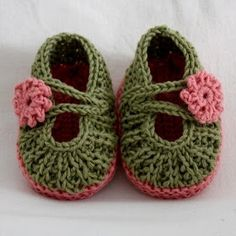 Bees and Appletrees (BLOG): gehaakte babyschoentjes (uitlegfilmpje) - crochet baby booties (tutorial)