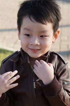 Jual Jaket Kulit Anak Kode JKA-01. Jaket ini adalah salah satu model jaket yang kami persembahkan untuk anda. Pemesanan hubungi admin kami...