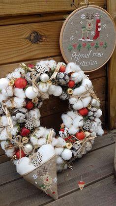 Sara Creations - cadru gherghef deco si inimioara pt bradut, brodate manual si coronita Craciun - Christmas cross stitch hoop & heart & Christmas wreath - Make it a December to remember