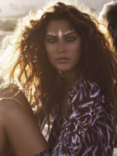 While Coachella might be all but over for another year, we can still draw inspo from this wildly fabulous face paint and lioness hair.